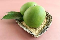 Manghi crudi organici Fotografia Stock Libera da Diritti