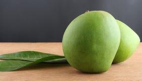 Manghi crudi organici Fotografia Stock