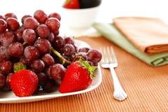 Mangi la frutta Immagini Stock