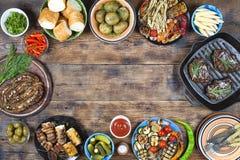 Mangiando fuori, grigliando, barbecue, picnic americano, Memorial Day, Immagini Stock Libere da Diritti