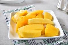Mango affettato fresco Fotografie Stock