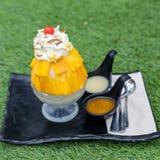 Mango di Bingsu Crema del gelato alla frutta Fotografie Stock Libere da Diritti