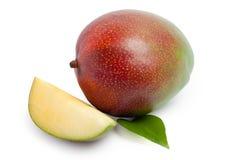 Mango die op wit wordt geïsoleerdn Stock Afbeeldingen