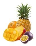 Mango för tropisk frukt, apelsin, ananas, isolerad passionfruit Arkivfoton