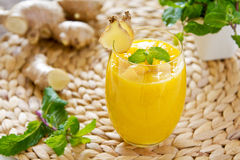 Mango with ginger smoothiie Royalty Free Stock Photography
