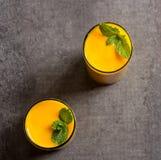 Mango Lassi Smooothie Juice Overhead View stockfotografie