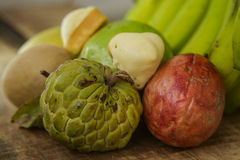 Mango Marakuya för guavaSötsak-mutor Sapodilla vid bananen arkivfoton