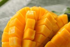 Mango maturo tagliato cubo Fotografia Stock
