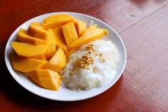 Mango med klibbig rice Arkivbilder