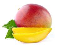 Mango med skivor royaltyfria bilder