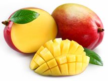 Mango met sectie. Stock Afbeeldingen