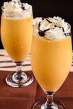 Mango-Milchshake Lizenzfreie Stockbilder