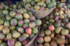 Mango's bij de markt Stock Foto's