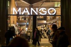 Mango shoppar arkivfoto
