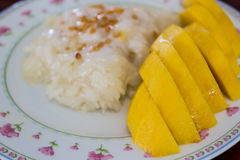 Mango sticky rice, delicious dessert. Royalty Free Stock Images
