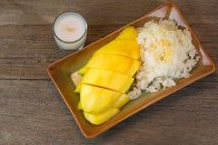 Mango und klebriger Reis Lizenzfreies Stockbild