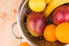 mango y agrios maduros Imagen de archivo libre de regalías