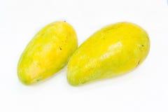 Mango zwei auf weißem Hintergrund Stockfotos