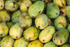 Mangoes at market Royalty Free Stock Photos