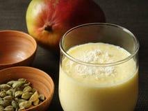 Mangofrucht Lassi Stockfotografie