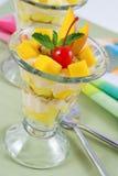 Mangofruchtparfait Lizenzfreie Stockbilder