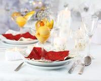 Mangofruchtsorbet für Weihnachten Stockfotos
