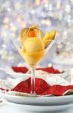 Mangofruchtsorbet für Weihnachten Lizenzfreies Stockbild