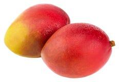 Mangofruit met waterdalingen Geïsoleerd op een witte achtergrond stock afbeeldingen