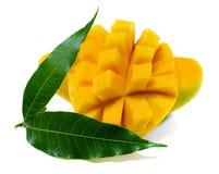 Mangofrukt som isoleras på vit arkivfoto