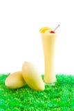 mangofruktsaftsmoottie Arkivbild
