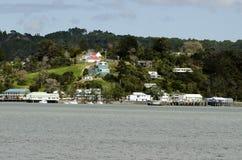 Mangonui村庄在北国新西兰 免版税库存图片