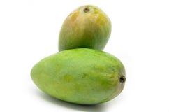 Mangos verdes aislados en el fondo blanco Foto de archivo libre de regalías