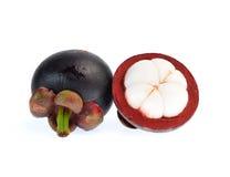 Mangostanfrucht lokalisiert auf weißem Hintergrund Stockfotos