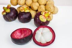 Mangostanfrucht- und Wollongong-Bonbonfrucht. Stockbilder