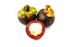 Mangostanfruit en dwarsdoorsnede Royalty-vrije Stock Afbeeldingen