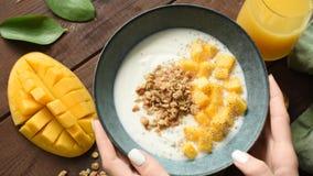 Mangowego jogurtu śniadaniowy puchar zbiory wideo