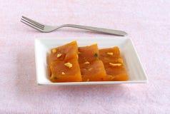 Mangowy Halwa Indiański Słodki naczynie fotografia royalty free