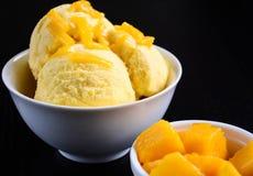 Mangowy lody Zdjęcia Royalty Free
