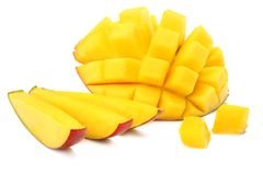 Mangowy plasterek odizolowywający na białym tle zdrowa żywność obraz royalty free