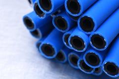 Mangueiras flexíveis da pressão usadas no serviço hidráulico foto de stock