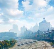 Manhã adiantada do outono na cidade Imagem de Stock