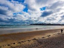 Manhã calma da opinião da praia de Weymouth foto de stock