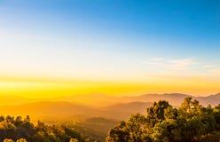 Manhã clara em Doi Inthanon, Chiang Mai, Tailândia Fotos de Stock