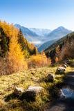 Manhã colorida do outono na montanha dos cumes, Itália Fotografia de Stock Royalty Free