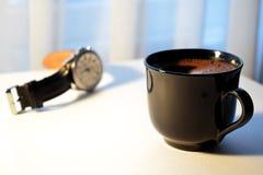 Manhã com chávena de café fotografia de stock