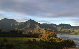 Manhã da baía de Hanalei imagens de stock royalty free