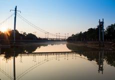Manhã da ponte de suspensão Imagens de Stock Royalty Free