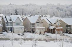 Manhã do inverno na cidade pequena Imagens de Stock Royalty Free