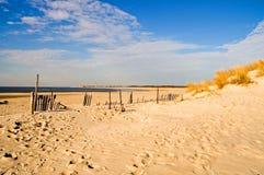Manhã do inverno na praia fotografia de stock