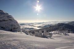 Manhã do inverno nos Ural Fotos de Stock